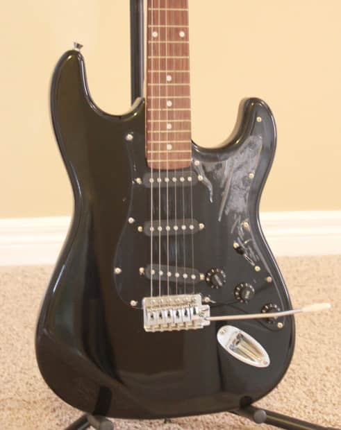 electric guitar for beginners imeg272 2 black with tremolo reverb. Black Bedroom Furniture Sets. Home Design Ideas