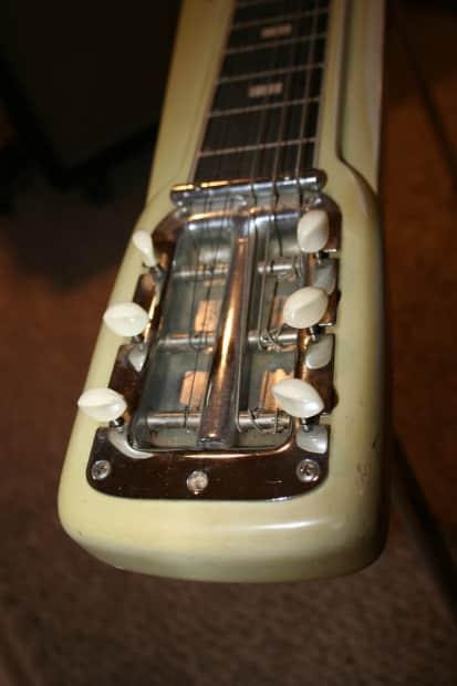 Vintage 1956 Fender Forest White Model Studio Deluxe Lap