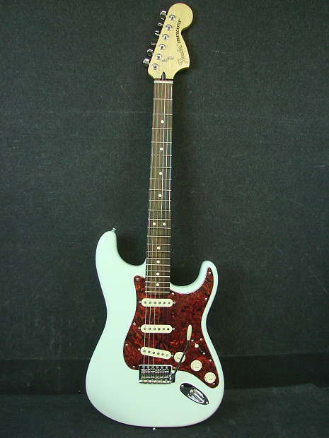 Fender       Deluxe       Roadhouse       MIM    Made in Mexico Stratocaster