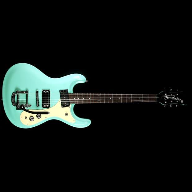 aqua hair dark guitar - photo #40