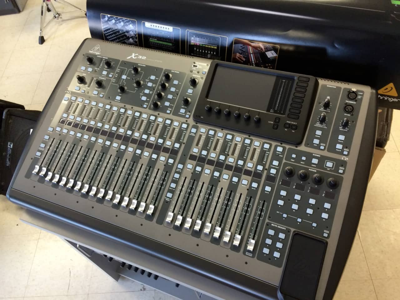 Behringer x32 professional mixing console x 32 digital reverb - Professional mixing console ...
