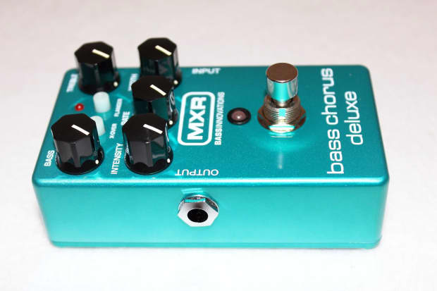 mxr m83 bass guitar chorus deluxe stomp box effects pedal reverb. Black Bedroom Furniture Sets. Home Design Ideas