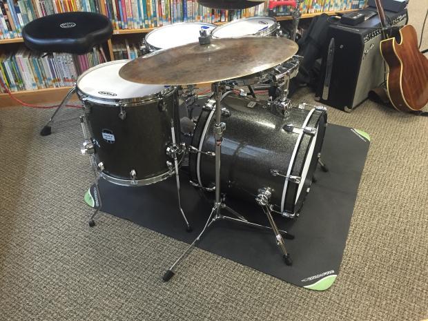 Mapex Mydenity Maple Drum Set 2015 Gun Metal Gray Sparkle