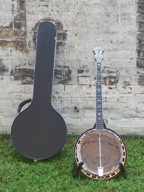 5 String Banjos at Eagle Music open