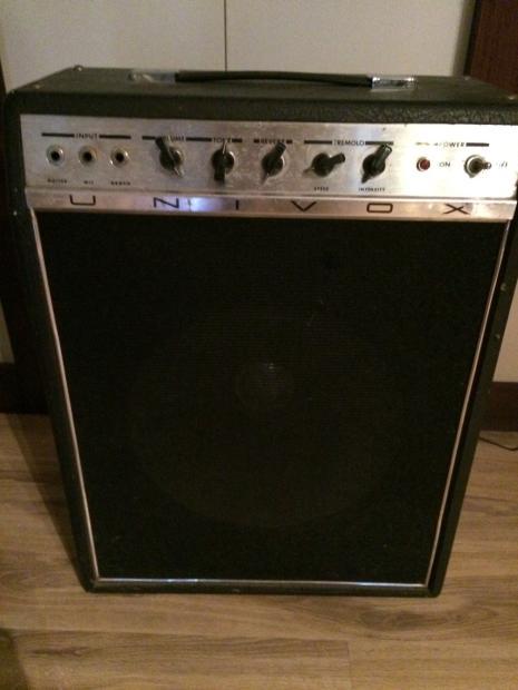 vintage univox combo guitar amp model u65rn 70s solid state reverb. Black Bedroom Furniture Sets. Home Design Ideas