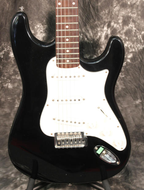 silvertone by samick strat style electric guitar black reverb. Black Bedroom Furniture Sets. Home Design Ideas