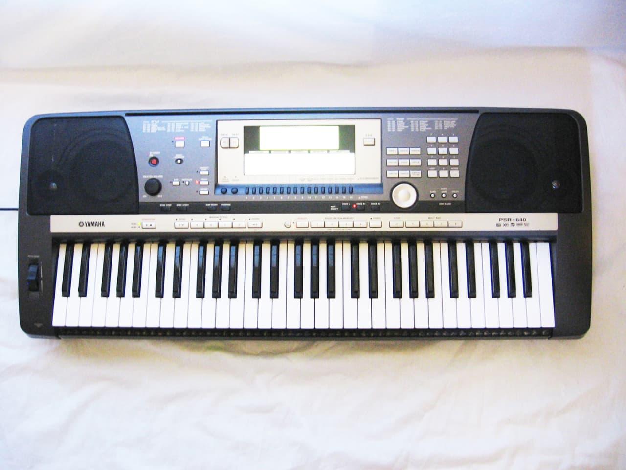 Yamaha psr 640 synthesizer keyboard arranger workstation for Yamaha synthesizer keyboard