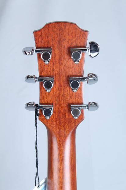 Yamaha Apx 700 Thinline Acoustic Electric Guitar Left