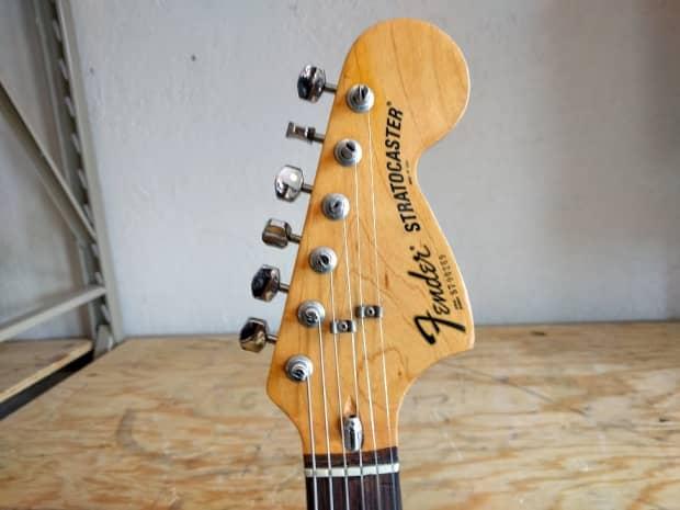 Vintage Half Fenders : Vintage fender stratocaster w ohsc reverb