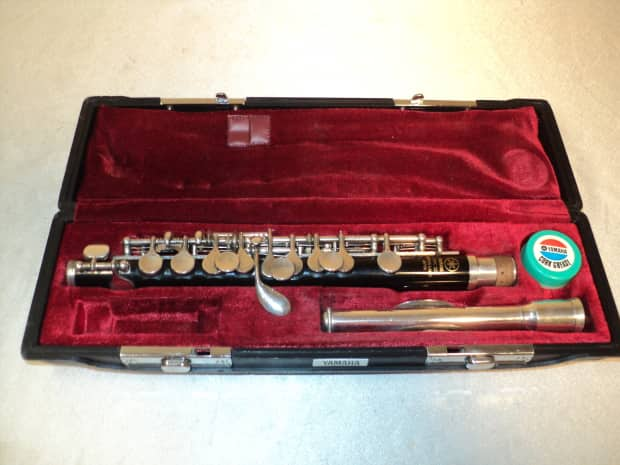 Yamaha ypc32 piccolo w case made in japan ready to for Yamaha 221 vs 222