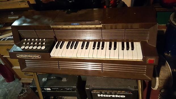 Vintage audion prelude chord organ w legs works pretty for Classic house organ bass