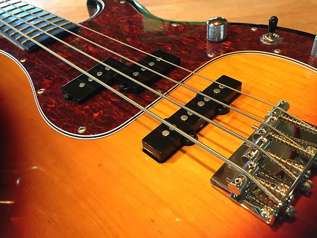 fretlight bass guitar model fb 525 excellent reverb. Black Bedroom Furniture Sets. Home Design Ideas