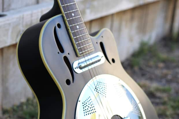 Dean Ce Round Neck Acoustic Electric Cutaway Resonator