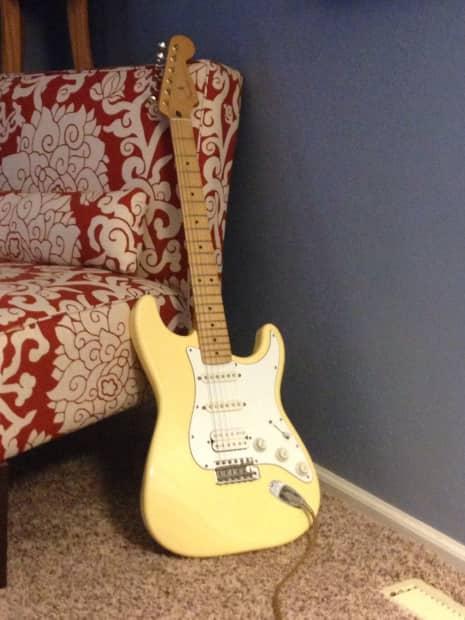 Fender Stratocaster Hss Mexican : fender mexican strat hss 1996 1997 aged white reverb ~ Hamham.info Haus und Dekorationen