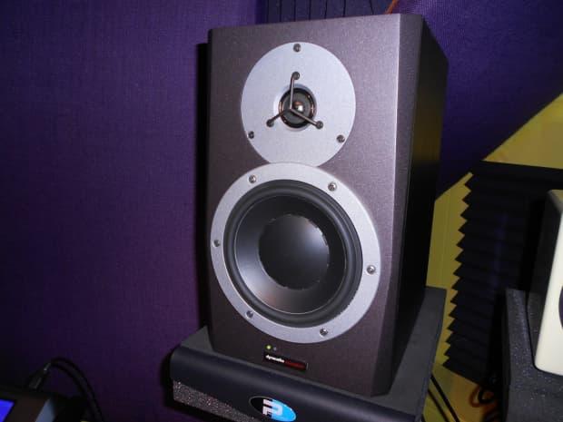 dynaudio bm6a mk2 studio monitors pair reverb. Black Bedroom Furniture Sets. Home Design Ideas