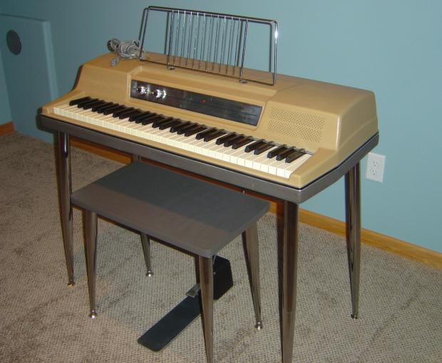 Vintage Wurlitzer Piano 94