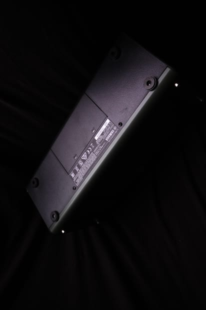 Yamaha thr10x modeling guitar amplifier super loud reverb for Yamaha thr10x specs