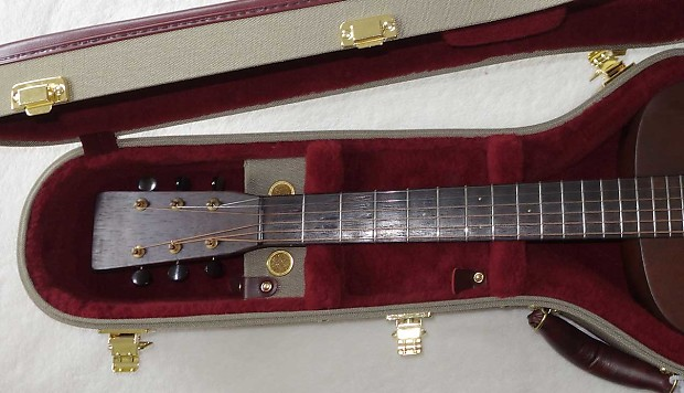 Ameritage Ame 8 Gold Series Case For Martin O Size Guitars