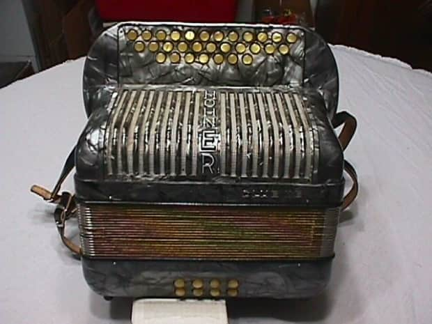 Hohner Club L L B 1960 S Grey Mother Of Pearl 3 Row Button
