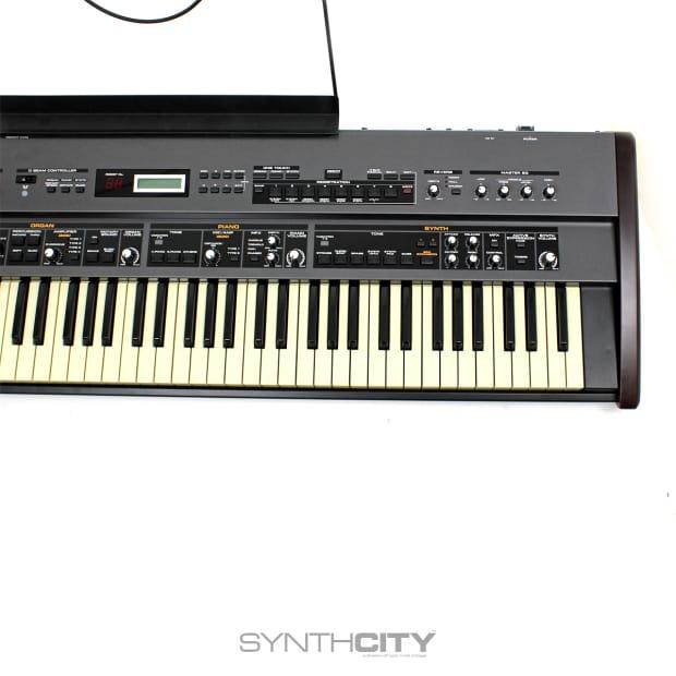 Roland Vr 760 V Combo W Srx 7 Ultimate Keys And Road Case