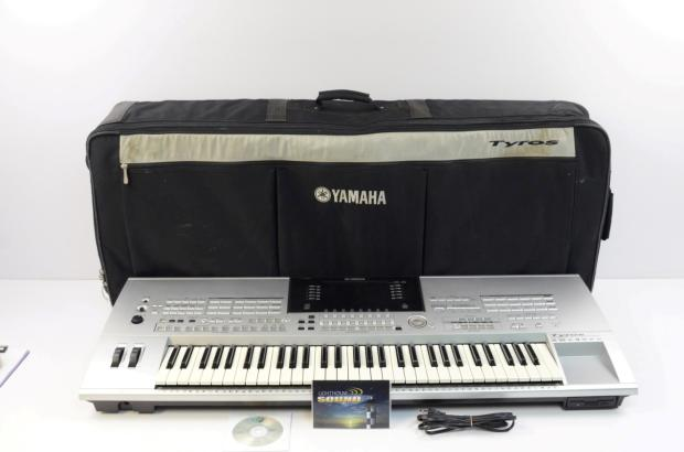 Yamaha tyros professional arranger keyboard w gig bag for Yamaha professional keyboard price