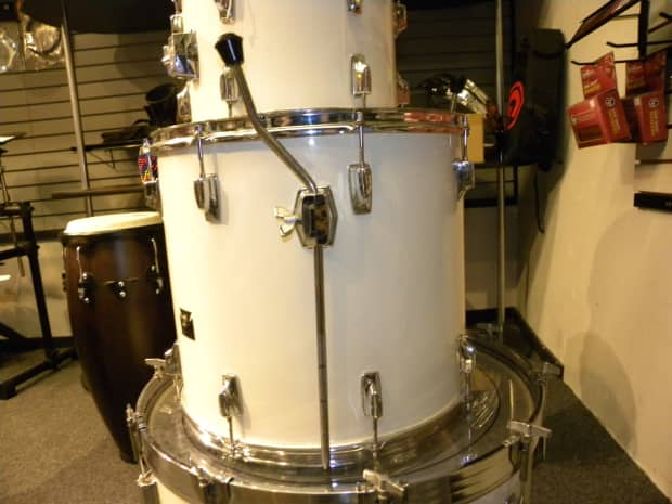 Tama imperialstar shells 70 s off white 24 bass 13 ride for 13 floor tom