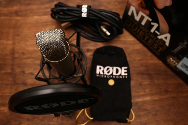 rode nt1 a condenser studio microphone w popshield shockmount xlr cable reverb. Black Bedroom Furniture Sets. Home Design Ideas
