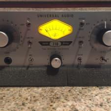 Universal Audio 710 Twin-Finity Preamp Silver / Black image