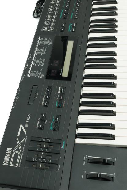 Yamaha dx 7 ii fd ca 1984 reverb for Yamaha mx61 specs