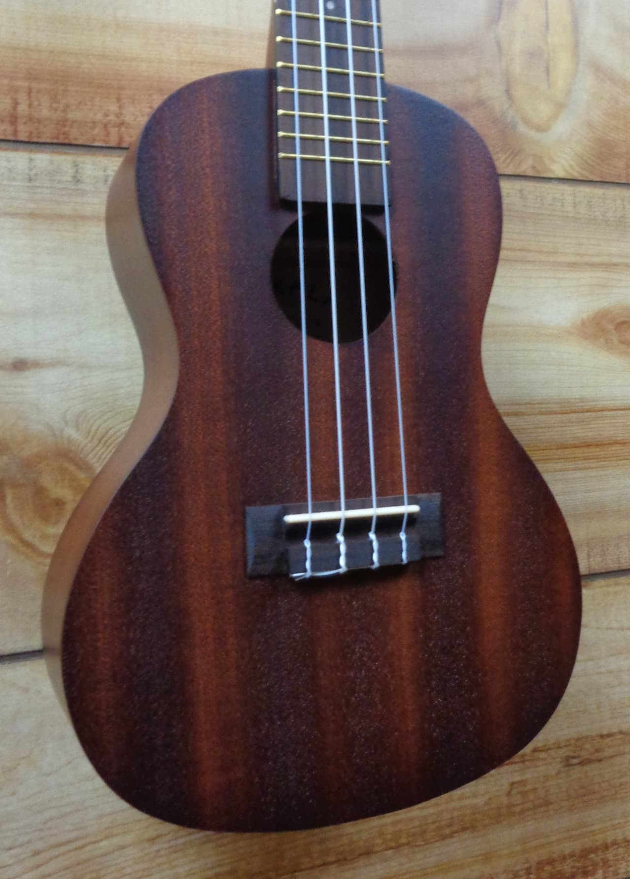 New kala makala mk c concert ukulele natural satin reverb for Porte ukulele