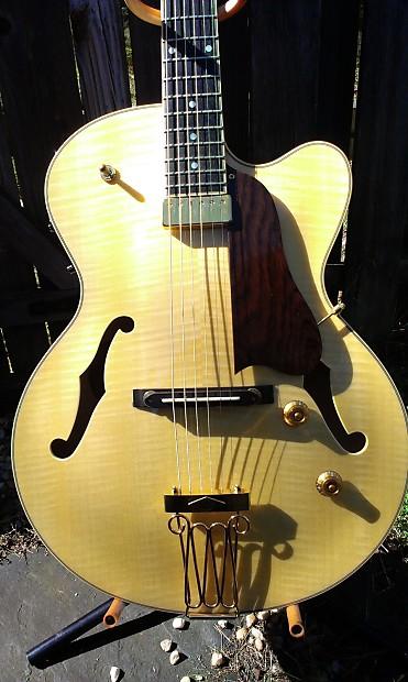 Yamaha aex 1500 archtop guitar blonde mij martin for Martins yamaha ocala