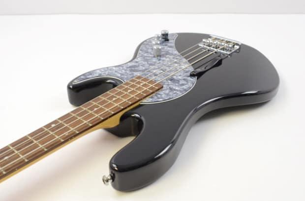 line 6 variax 700 electric bass guitar black w gig bag reverb. Black Bedroom Furniture Sets. Home Design Ideas