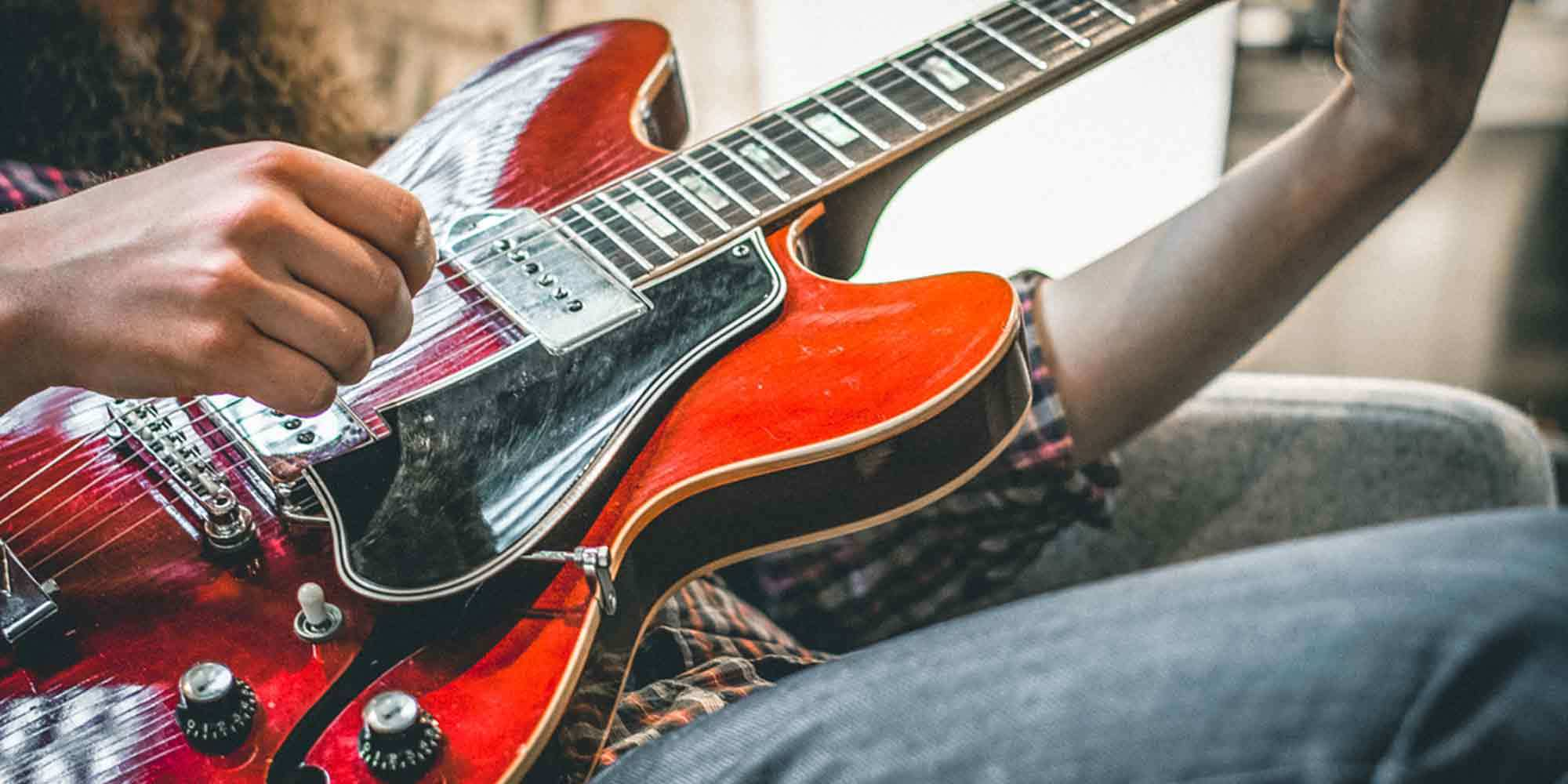 5 Tips for the Apartment Guitarist | Reverb News