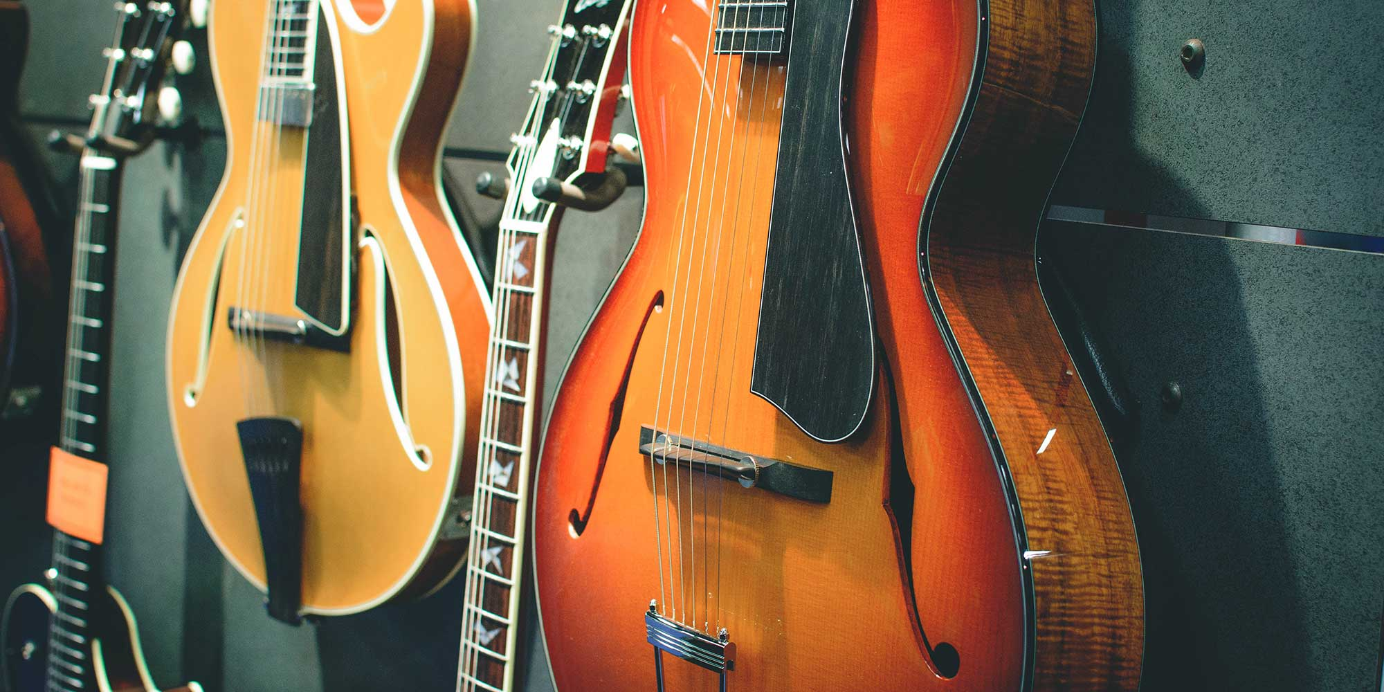 Charlie Sexton (Bob Dylan, Keith Richards, Don Henley) talks Collings Guitars