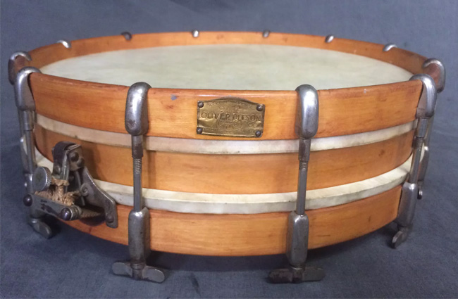 A typical turn-of-the-century double drumming snare