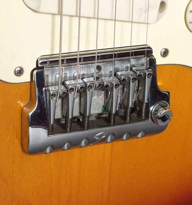 5 Vintage Tremolo Systems That Never Caught On | Reverb News