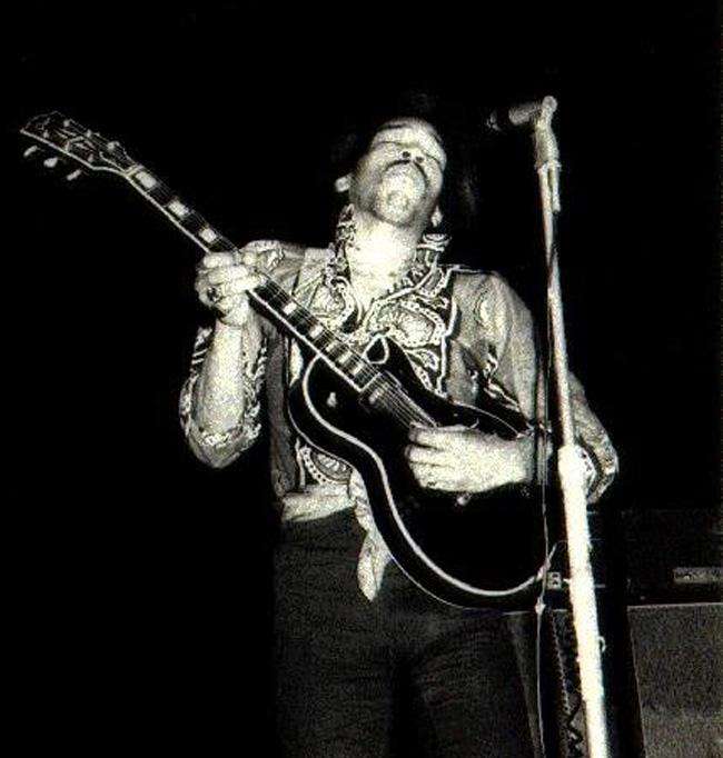 Hendrix-7_w5gidj.jpg