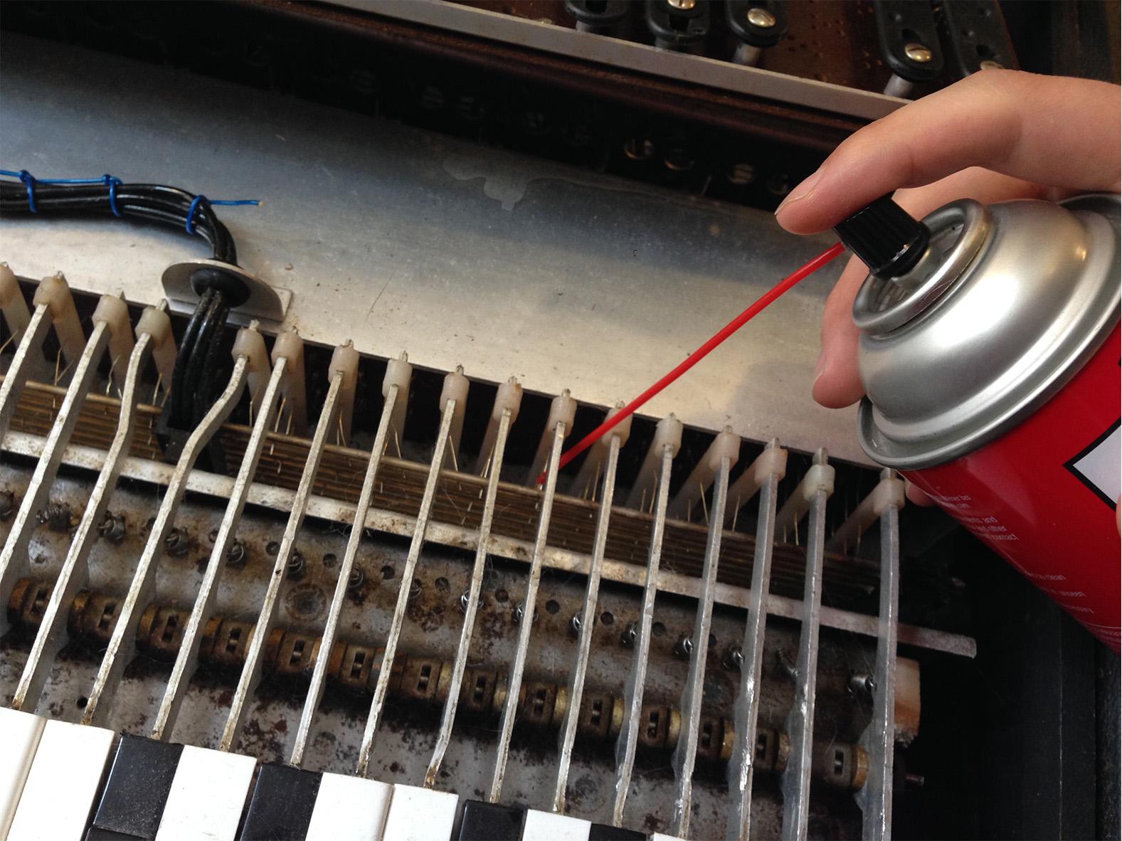 DIY Vintage Organ Repairs: Common Problems Beginners Can